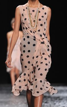 Polka Dot Dress / Nina Ricci 2013 As featured in Vogue, April 2013 Dots Fashion, High Fashion, Womens Fashion, Fashion Design, Paris Fashion, Casual Chic, Passion For Fashion, Beautiful Outfits, Dress To Impress