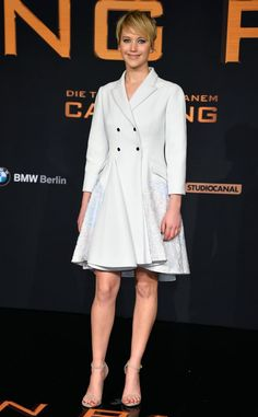 Jennifer Lawrence at the hunger games premiere   The Fashion Spot