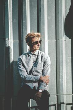Skate Style, Work Fashion, Daniel Wellington, Ray Bans, Facebook, Sunglasses, Watch, Boys, Photography