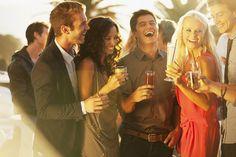 7 Best (Offline) Places to Meet Eligible Guys - Cosmopolitan SA Cocktails, Drinks, Meeting New People, Dating Advice, Cosmopolitan, Gin, Princess Zelda, Stock Photos, Couple Photos