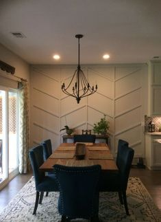 DIY Chevron wainscoting, herringbone feature wall, chevron feature wall chevron molding, feature wall Source by michelleveil Dining Room Walls, Dining Room Design, Dining Room Feature Wall, Dining Room Paneling, Wainscoting Wall, Feature Walls, Dining Nook, Dining Tables, Home Decor Ideas