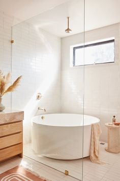 Bathroom some ideas, bathroom renovation, master bathroom decor and master bathroom organization! Master Bathrooms could be beautiful too! From claw-foot tubs to shiny fixtures, they are the master bathroom that inspire me the absolute most. Bathroom Shop, Chic Bathrooms, Bathroom Renos, Small Bathroom, Bathroom Inspo, Master Bathrooms, Remodel Bathroom, Bathroom Mirrors, Bathroom Cabinets