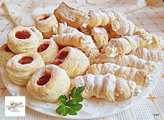 Hájas - leveles sütemények, nálunk nagy sikere van! Muffin, Food And Drink, Sweets, Snacks, Cookies, Vegetables, Crack Crackers, Appetizers, Good Stocking Stuffers