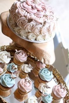 Antique-inspired #ombre #wedding #cake and #cupcakes by Starbird Bakehouse