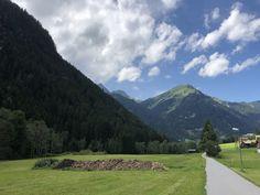 Auch das ist im Montafon möglich - An der Ill entlang ist dies von Partenen bis St. Anton möglich - wunderschöne Aussichten inklusive  hier St. Gallenkirch St Anton, Mountains, Nature, Travel, Nice Asses, Naturaleza, Viajes, Destinations, Traveling