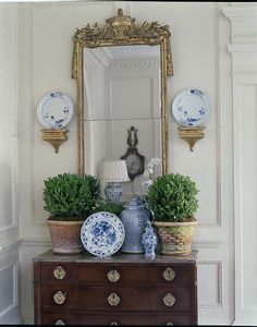 love this vignette❤ Happy Blue and White Monday!