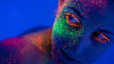 Neon black light body and face makeup Rave Makeup, Glow Makeup, Makeup Art, Liquid Makeup, Glitter Makeup, Makeup Style, Makeup Ideas, Neon Painting, Wow Art