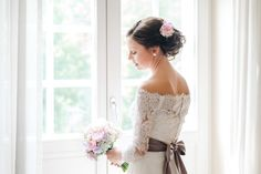 Wedding Dresses, Fashion, Fascinators, Hair Fascinators, Florals, Bride Dresses, Moda, Bridal Gowns, Wedding Dressses