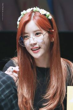 Apink - Chorong Kpop Girl Groups, Korean Girl Groups, Kpop Girls, Asian Flowers, Pink Panda, Mnet Asian Music Awards, K Pop Music, K Pop Star, Fans Cafe