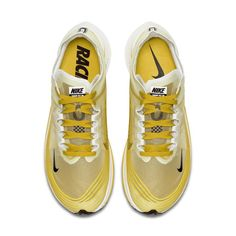 low priced 944a7 b22a7 Nike Zoom Fly SP Unisex Running Shoe - Gold Nike Zoom, Unisex, Turnschuhe,