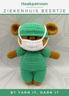 A free crochet pattern of the front line hero bear. Do you also want to crochet this bear? Read more about the Free Crochet Pattern Frontline Hero Bear. Crochet Mask, Crochet Dragon, Easy Crochet, Crochet Hooks, Crochet Bear Patterns, Crochet Motifs, Crochet Teddy Bears, Mandala Crochet, Crochet Leaves