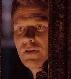 (GIFSET) 11x09 O Brother Where Art Thou - Mark Pellegrino was perfect as usual! Scary!