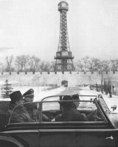 Reinhard Heydrich and Albert Speer on a cabriolet staff car in Prague, Czechoslovakia, 1941 Nuremberg Trials, Germany Ww2, Pearl Harbor Attack, Ww2 History, The Third Reich, Second World, World War Two, Wwii, Paris Skyline