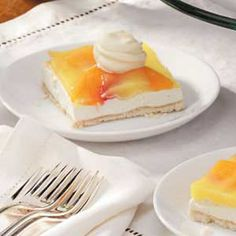 Peach Delight Recipe Colorful peach slices and refreshing lemon gelatin take center stage in this creamy dessert from Clara Hunt of Lexington, North Carolina. Diabetic Desserts, Diabetic Recipes, Healthy Desserts, Delicious Desserts, Dessert Recipes, Yummy Food, Cheesecake Recipes, Drink Recipes, Healthy Recipes