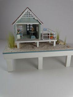 Miniature Miniatures - Nell Corkin: The Beach House http://nell-miniminis.blogspot.com/2013/08/the-beach-house.html