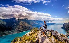 Tutti in sella e via, pronti ad esplorare il territorio; circondati dalle bellezze del paesaggio Trentino!