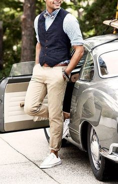 Follow these simple & mind blowing style tips for men and you are good to get set go! #MensFashionChinos