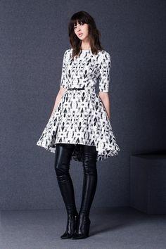 Мы не можем оторвать взгляд этого потрясающего платья! А главное - оно универсально: в театр или на вечеринку - Вы будете иметь успех в любом случае! Fall Winter, Autumn, Mix N Match, Winter Fashion, Clothes For Women, Chic, Jackets, Dresses, Design