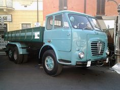Alfa Mille Maserati, Ferrari, Old Lorries, Old Wagons, Train Truck, Alfa Romeo Cars, Camper, Heavy Truck, Vintage Vans