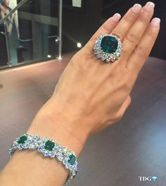 """JUST CASUALLY ROCKING """"THE PRISTINE"""" .... A @BAYCOJEWELS 22 CARAT COLUMBIAN EMERALD FIT FOR A QUEEN! Or for me!!! Bracelet from @baycojewels too - because I can never have enough #Bayco on me!!!"""