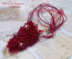 Un splendide pendentif Tendre Rouge avec un rouge profond. Vous pouvez le voir sur ma boutique :