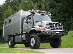 Mercedes benz zetros interior mercedes benz zetros 6x6 for Mercedes benz zetros 6x6 expedition vehicle