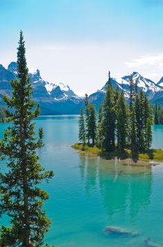 Banff Mountain National Park in Alberta