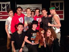 ❤️❤️❤️❤️Is it just me or is this like one of the first pics that Mahogany LOX is in with the boys? *or nah?