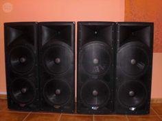 . se vende equipo de sonido completo 9000 watios propio para un grupo peque�o o discomovil, o pub esta como nuevo se usar�a 25 veces, compuesto por: cuatro altaboces 1 12 alto, 2 munitores, mesa sonido