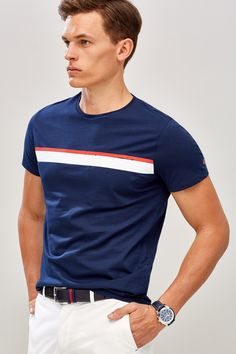 Polo Shirt Style, Polo T Shirts, Camisa Polo, Design Kaos, Summer Outfits Men, Tee Shirt Designs, Apparel Design, Men Looks, Lounge Wear