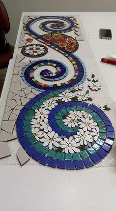 Mosaic Tray, Mosaic Tile Art, Mosaic Artwork, Mirror Mosaic, Mosaic Crafts, Mosaic Projects, Stone Mosaic, Pebble Mosaic, Mosaic Flower Pots