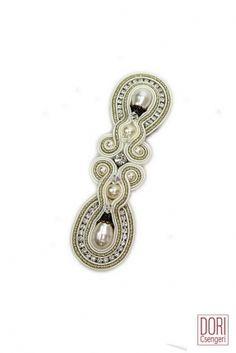 Noces classic pearl bridal hair clip by Dori Csengeri. #DoriCsengeri #bridal…