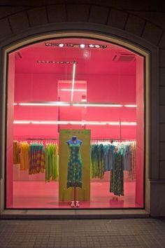 Ártidi escaparatismo visual merchandising Agatha Ruiz de la Prada