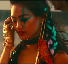 love THIS hairstyle from the video clip of : David Guetta - Hey Mama (Official Video) ft Nicki Minaj, Bebe Rexha & Afrojack
