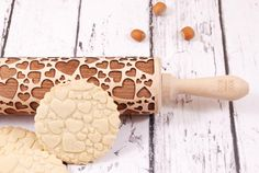 Osta saab - https://www.etsy.com/listing/202929905/hearts-embossing-rolling-pin-valentines?ref=shop_home_active_1&ga_search_query=heart