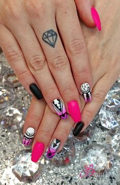 #nails #pink #black #dreamcatcher #olomouc #czechrepublic #tattoo #diamond #nailart