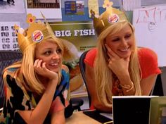 From Party Girls To Reality TV Superstars: A Guide To Nicole Richie And Paris Hilton's Friendship Celebrity Best Friends, Paris Hilton Style, Paris And Nicole, Bestest Friend, Bd Comics, Nicole Richie, Cover Pics, Teenage Dream, Girls Image