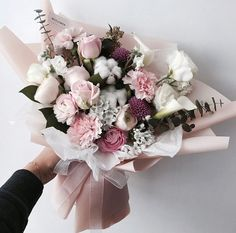 Beautiful Bouquet Of Flowers, Beautiful Flower Arrangements, Amazing Flowers, Floral Arrangements, Beautiful Flowers, Wedding Flowers, Flower Packaging, Luxury Flowers, Pink And White Flowers