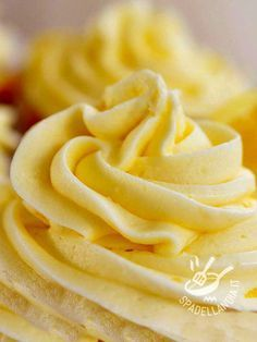 Ricette Dessert - Creme e glasse Custard Recipes, Lemon Recipes, Cream Recipes, Cold Desserts, Lemon Desserts, Biscotti, Ganache Icing, Frosting, Cake & Co