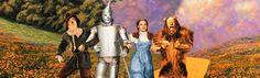 La pequeña Dorothy y su perro Toto son arrastrados por un tornado al Mundo de Oz. Allí se encontrarán con el espantapájaros, el hombre de hojalata y el león cobarde. Juntos tratarán de derrotar a la Bruja Mala del Oeste y encontrar al Mago de Oz.
