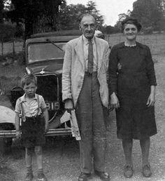 creepy-vintage-photos-old-couple-dirty-boy.jpg (550×603)