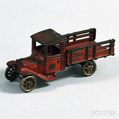Metal Toys, Tin Toys, Vintage Trucks, Vintage Toys, Victorian Toys, Kids Cars, Hobby Toys, Vintage Iron, Horse Drawn