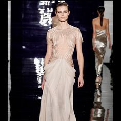 LOVE✨#ReemAcra  #FallWinter #2014  #couture #hautecouture #elegant #mode #look #style #Padgram