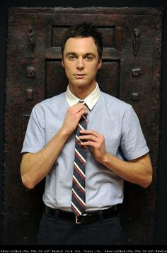 Jim Parsons (Sheldon from The Big Bang Theory) He looks GOOD in this pic :) Jim Parsons, Pretty People, Beautiful People, Beautiful Men, Hello Gorgeous, The Bigbang Theory, Theater, Cinema, Raining Men