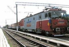 Calea ferată din România se va reduce la jumătate, conform unui plan realizat la cererea Comisiei Europene şi a FMI. Numai pe parcursul anului trecut au fost scoase de pe harta circulaţiei feroviare cinci secţii de cale ferată. Mall online:Livrare... Locomotive, Romania, Mall, Vehicles, Trains, Rolling Stock, Locs, Vehicle, Train