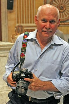 Steve McCurry, American editorial photographer best known for 'Afghan Girl'. Teen Photography, Color Photography, Children Photography, Amazing Photography, Portrait Photography, Landscape Photography, Nature Photography, Travel Photography, Fashion Photography