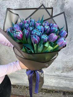 #bluetulips #purpletulips #lalele #buchetlalele #spring #floweraesthetic #tulipmania Decorative Bowls, Home Decor, Decoration Home, Room Decor, Home Interior Design, Home Decoration, Interior Design