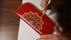 Dot Art Painting, Mandala Painting, Fabric Painting, Henna Phone Case, Zentangle, Mehndi Style, Mehndi Art Designs, Pressed Flower Art, Mandala Dots