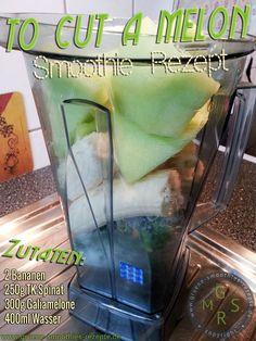Grüner Smoothie mit Spinat, Banane und Galiamelone