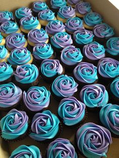 Make Gluten Free/Dairy Free cupcakes liek this for family with food allergies who might not be able to eat the cake. Blue and purple wedding cupcakes